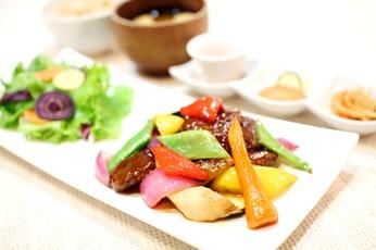 旬野菜と大豆ミートの黒酢炒め定食_ss